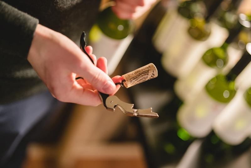Uzatváranie vína